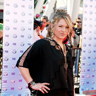 Crystal Bowersox in The American Idol Season 9 Finale - Arrivals