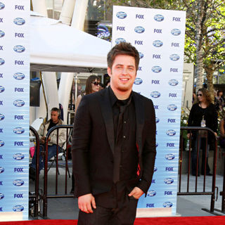 Lee DeWyze in The American Idol Season 9 Finale - Arrivals