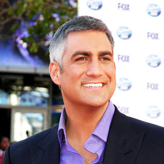Taylor Hicks in The American Idol Season 9 Finale - Arrivals