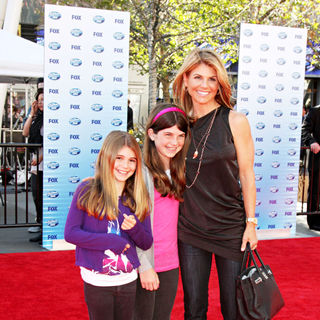 Lori Loughlin in The American Idol Season 9 Finale - Arrivals