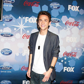 Aaron Kelly in The American Idol Top 12 Party for Season 9