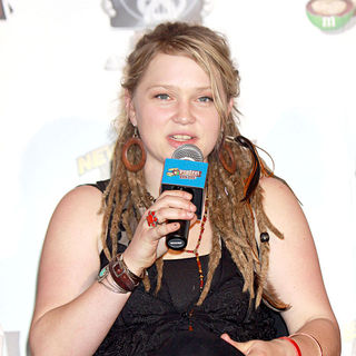 Crystal Bowersox in A Press Conference After a Short Performance for The Launch of The 'American Idol - Live Tour 2010'