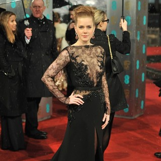 Amy Adams in The 2013 EE British Academy Film Awards - Arrivals