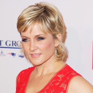 Amy Carlson in Elton John AIDS Foundation's 12th Annual An Enduring Vision Benefit