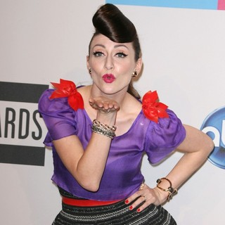 Amy Heidemann, Karmin in 2011 American Music Awards - Press Room