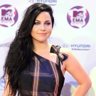 Amy Lee, Evanescence in The MTV Europe Music Awards 2011 (EMAs) - Press Room
