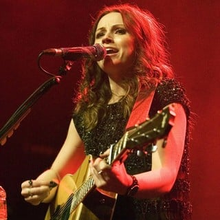 Amy Macdonald in Amy MacDonald Performs Live