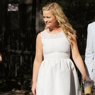 Amy Poehler in Amy Poehler Filming They Came Together on Location