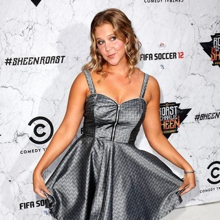 Amy Schumer in Comedy Central Roast of Charlie Sheen - Arrivals