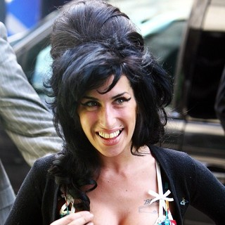 Amy Winehouse - Amy Winehouse Arrives for Her Appearance at City of Westminster Magistrates' Court