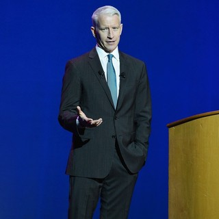 Anderson Cooper in Anderson Cooper Speaking at Hard Rock Live!