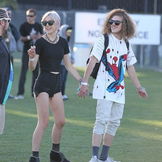 Rachel Finley, Blake Anderson in Celebrities at The 2012 Coachella Valley Music and Arts Festival - Day 2