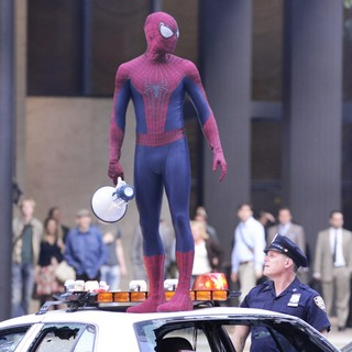 Andrew Garfield in Scenes Are Filmed for The Amazing Spider-Man 2 on Location