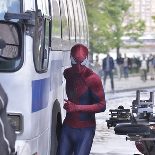 Andrew Garfield in Andrew Garfield Gets into Character as He Films Scenes for The Amazing Spiderman 2