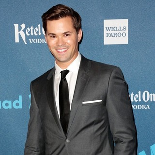 Andrew Rannells in 24th Annual GLAAD Media Awards - Arrivals - andrew-rannells-24th-annual-glaad-media-awards-01