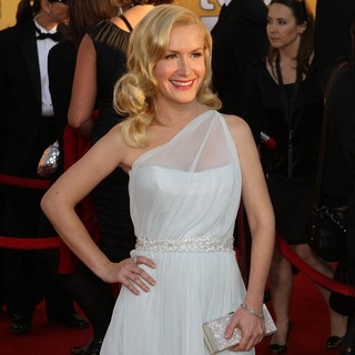 Angela Kinsey in The 18th Annual Screen Actors Guild Awards - Arrivals