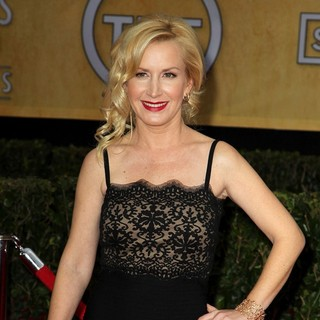 Angela Kinsey in 19th Annual Screen Actors Guild Awards - Arrivals