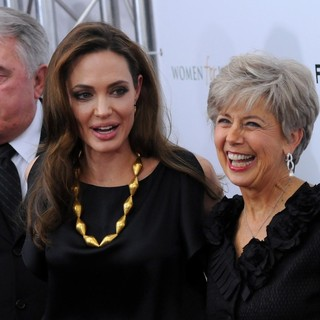 William Alvin Pitt, Angelina Jolie, Jane Pitt in Premiere of In the Land of Blood and Honey - Arrivals