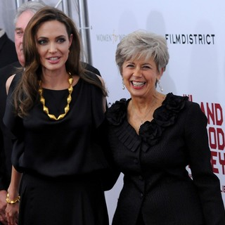 Angelina Jolie, Jane Pitt in Premiere of In the Land of Blood and Honey - Arrivals