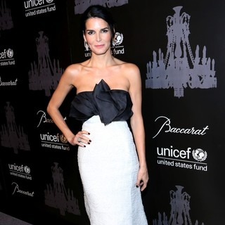 Angie Harmon in The U.S. Fund for UNICEF Hosts Its Ninth Annual UNICEF Snowflake Ball