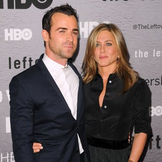 Jennifer Aniston in The Leftovers New York Premiere - Red Carpet Arrivals - aniston-theroux-premiere-the-leftovers-02