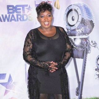 Anita Baker in The 11th Annual BET Awards - Press Room