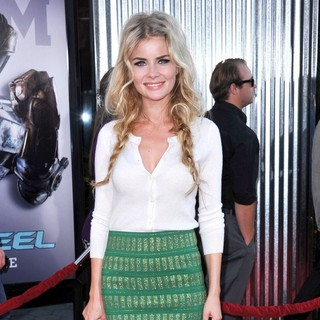 Anita Briem in Los Angeles Premiere of Real Steel