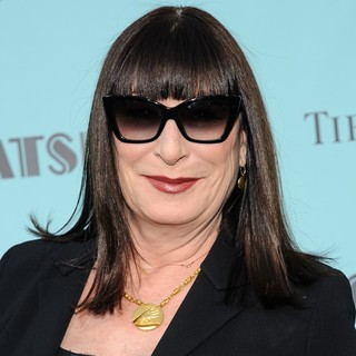 Anjelica Huston in Premiere of The Great Gatsby - anjelica-huston-premiere-the-great-gatsby-01
