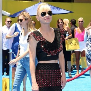 Anna Faris-The World Premiere of The Emoji Movie - Arrivals