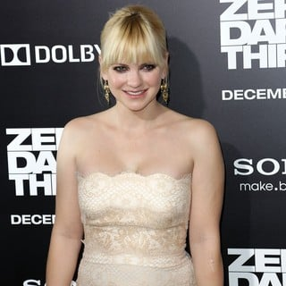 Anna Faris in Los Angeles Premiere of Columbia Pictures' Zero Dark Thirty