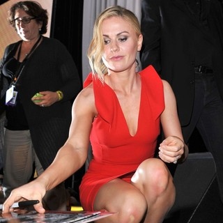 Anna Paquin in 2011 Comic Con Convention - Day 2 - True Blood - Press Conference