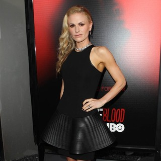 Anna Paquin in Premiere of HBO's True Blood Season 6 - Arrivals
