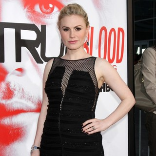 Anna Paquin in Los Angeles Premiere for The Fifth Season of HBO's Series True Blood - Arrivals
