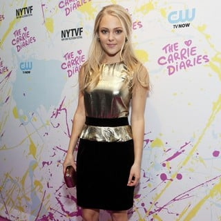 AnnaSophia Robb in The Carrie Diaries Premiere