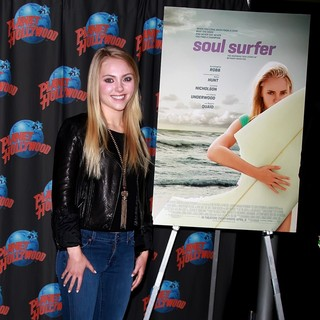 AnnaSophia Robb in AnnaSophia Robb Promotes Her Starring Role in Soul Surfer with An Appearance at Planet Hollywood