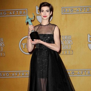 Anne Hathaway in 19th Annual Screen Actors Guild Awards - Press Room