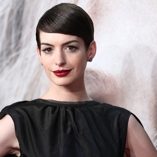 Anne Hathaway in Les Miserables New York Premiere - Arrivals
