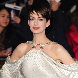 Les Miserables World Premiere - Arrivals - anne-hathaway-uk-premiere-les-miserables-03