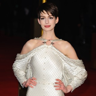 Les Miserables World Premiere - Arrivals - anne-hathaway-uk-premiere-les-miserables-04