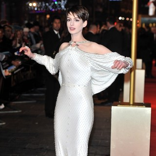 Les Miserables World Premiere - Arrivals - anne-hathaway-uk-premiere-les-miserables-07