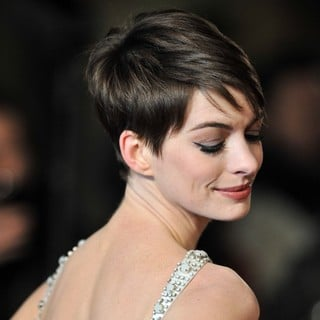 Les Miserables World Premiere - Arrivals - anne-hathaway-uk-premiere-les-miserables-08