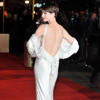 Les Miserables World Premiere - Arrivals - anne-hathaway-uk-premiere-les-miserables-10