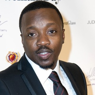 Anthony Hamilton in The 7th Annual Woman's Day Red Dress Awards
