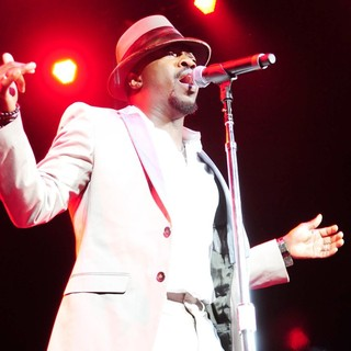 Anthony Hamilton Performs Live During The Budweiser Superfest