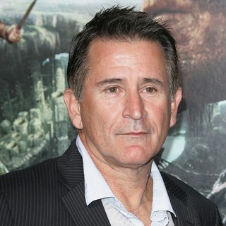 Anthony LaPaglia in Premiere of Jack the Giant Slayer
