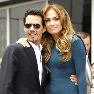 Marc Anthony, Jennifer Lopez in Simon Fuller Receives A Star on The Hollywood Walk of Fame