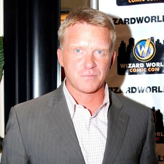Anthony Michael Hall in Wizard World Chicago Comic Con 2011