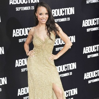 Antonique Smith in The Premiere of Abduction - Arrivals