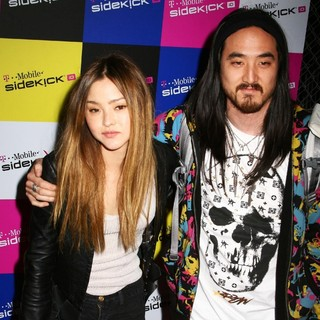 Devon Aoki, Steve Aoki in T-Mobile Sidekick iD Launch Party - Arrivals
