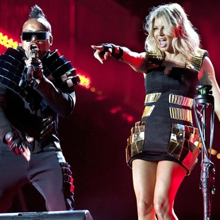 apl.de.ap, Stacy Ferguson in Black Eyed Peas and Friends Concert 4 NYC in Support of The Robin Hood Foundation